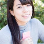 ペアーズ広告の女性モデル小瀬田麻由って誰?茶色ニットの評判は?