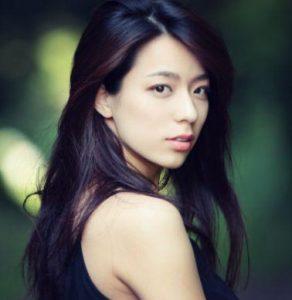 ペアーズ広告の女性モデル小瀬田麻由って誰?茶色ニットの評判が微妙