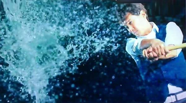 水 バット 野球 男性