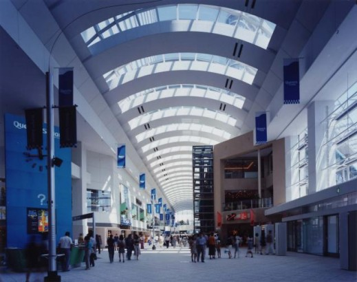 ショッピングモール 大型ショッピングモール アーケード 商業施設