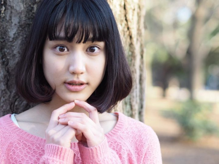 今泉マヤ 女優 CM ピンクの服