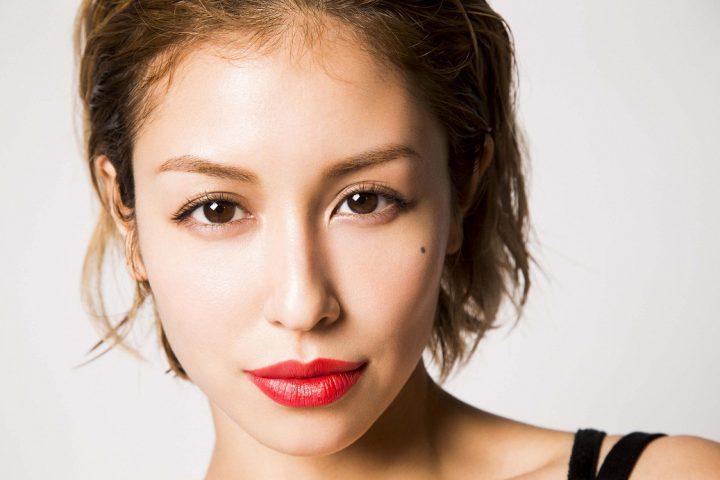 女性 歌手 シンガーソングライター BENI