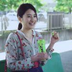 お~いお茶ゆずライブCM 駅のホームの女性と河川敷女子高生 濱田よりかと窪田彩乃