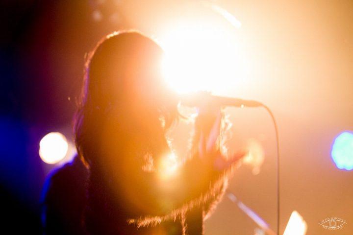 歌手 ライブ ステージ 中野佑美