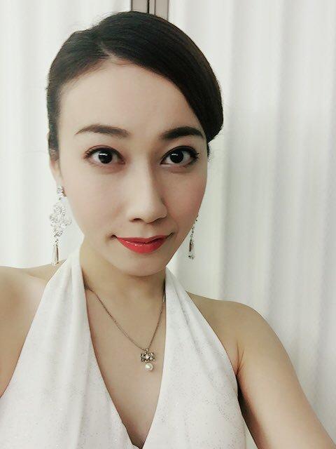 女優 ドレス 白いドレス 天宮菜生
