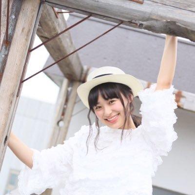 モデル ニコモ 鈴木美羽 女性